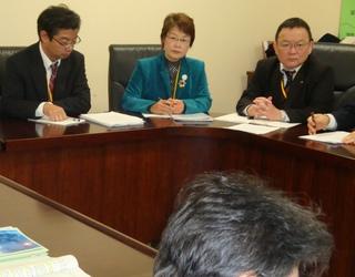 九州経済産業局、福岡労働局に「工場閉鎖撤回をもとめよ」と申し入れ